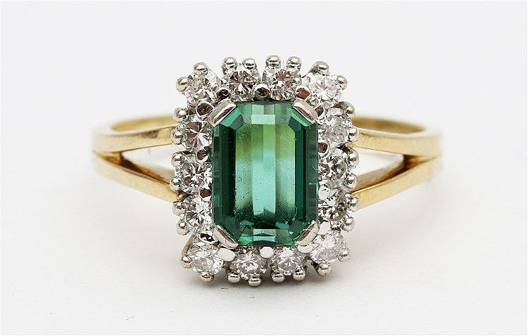 Gem set yellow gold ring. Set with green tourmaline and diamonds