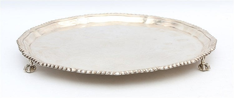 Silver tray by W.F. A.F., Sheffield 1911. Standing on three cla