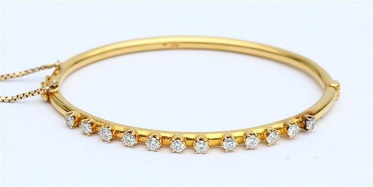 Diamond set yellow gold bracelet. Total diamond weight circa 1
