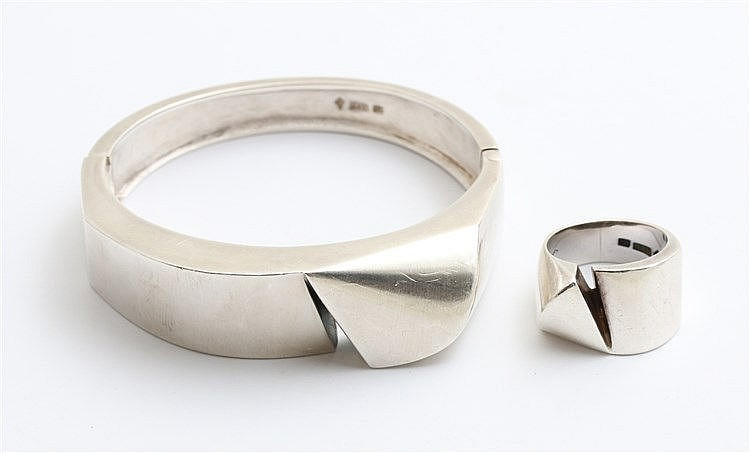 Silver bracelet and matching ring. Signed Klein.