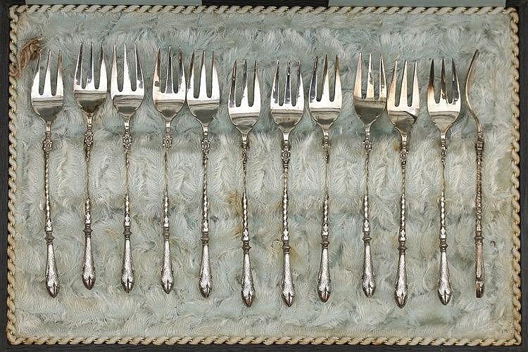 Twelve silver cakeforks by Van Kempen & Zn., Voorschoten, circa