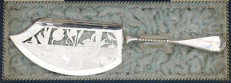 Silver fish server by Johannes A. A. Gerritsen, Amsterdam/Zeist.