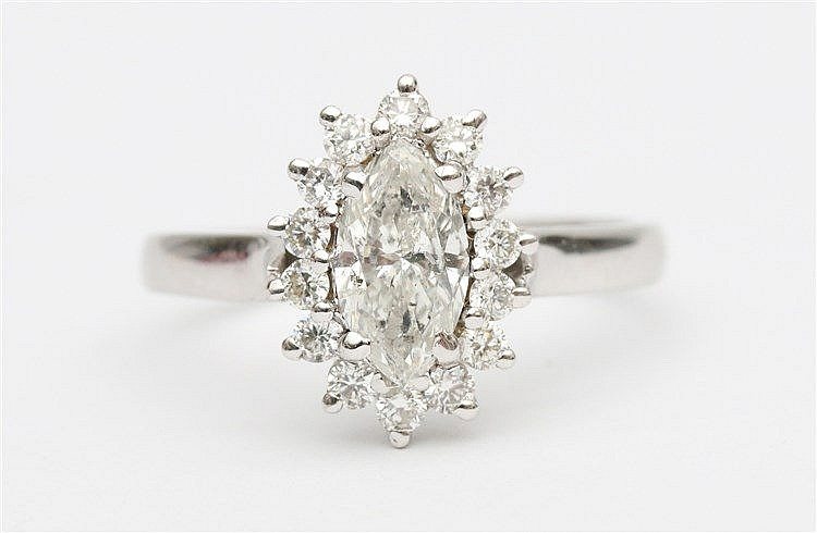 Diamond set white gold ring. Set with marquise cut diamond, app
