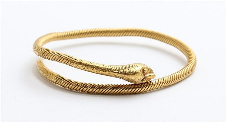 Indonesian Snake bangle, yellow gold. Total weight 72.0 gram. M