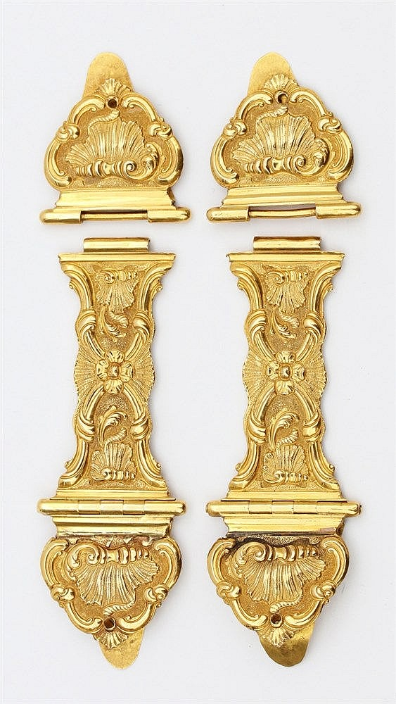 Pair of gold Bible clasps. Amsterdam, circa 1750. Louis XV decor
