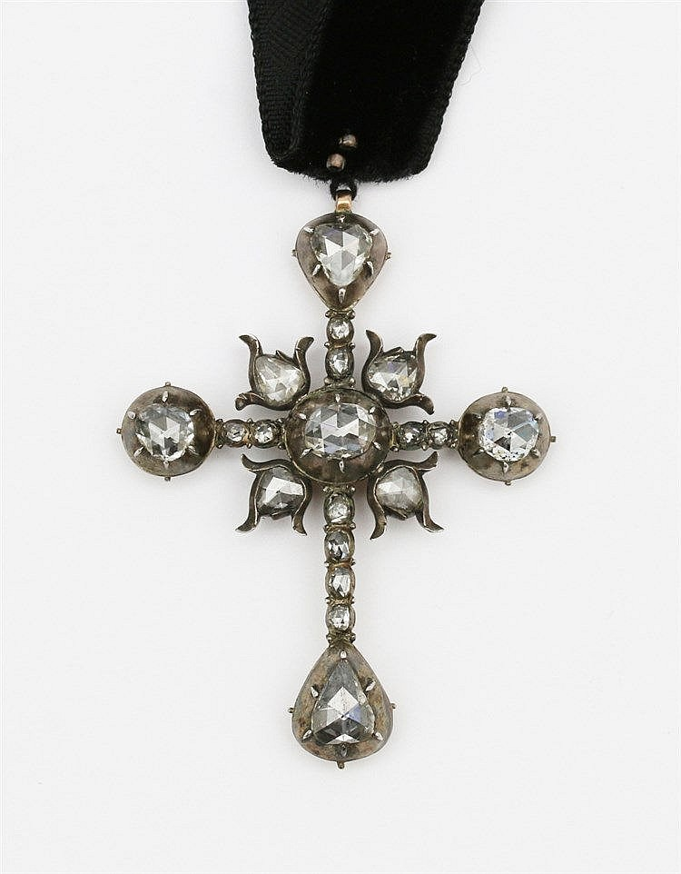 Diamond set cross pendant. Rose cut diamonds, 19th century. Gold