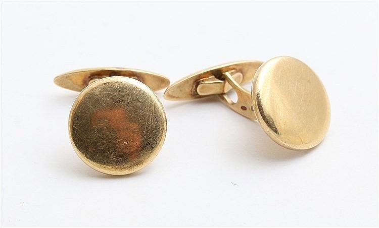 Yellow 14 krt gold cuff links. Button shaped model. Weight 7.2 g