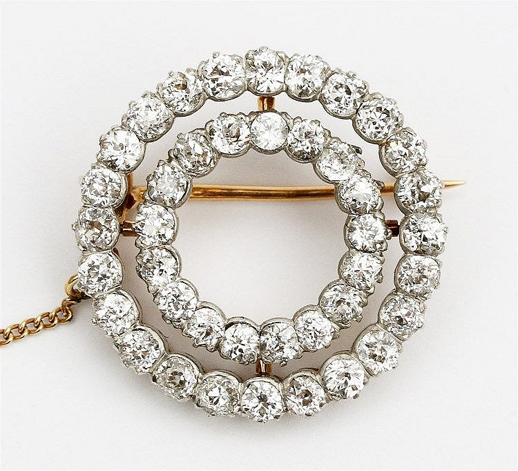 Tiffany brooch, circa 1900. Yellow gold, 18 krt. Circular desi