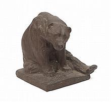 Joseph Franz Pallenberg (1882-1945) - A terracotta sculpture, a sitting bear. Signed. - Hoogte