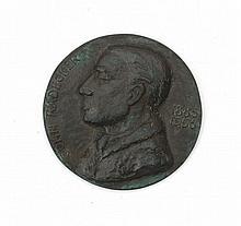 Han Rädecker (1921-1976) - 'John Rädecker 1885-1956'. A bronze medal. Signed with the monogram.