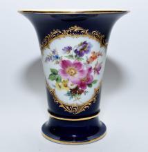 A Meissen porcelain vase
