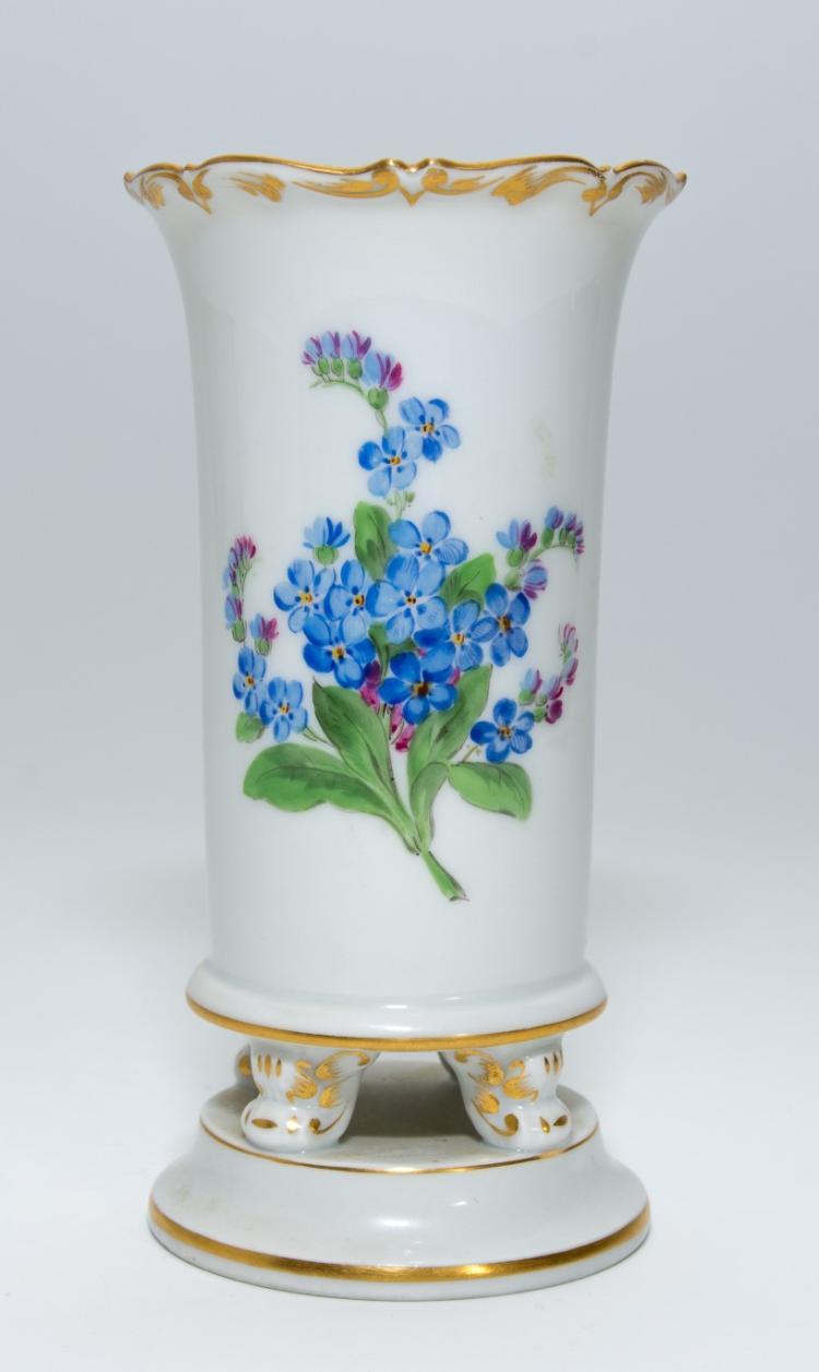 A Meissen porcelain sculpture