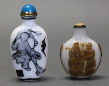 2 Chinese peking glass snuff bottles, late Qing dynasty