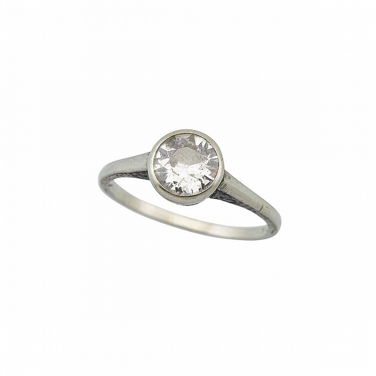 14k white gold and platinum ring bezel set with a european