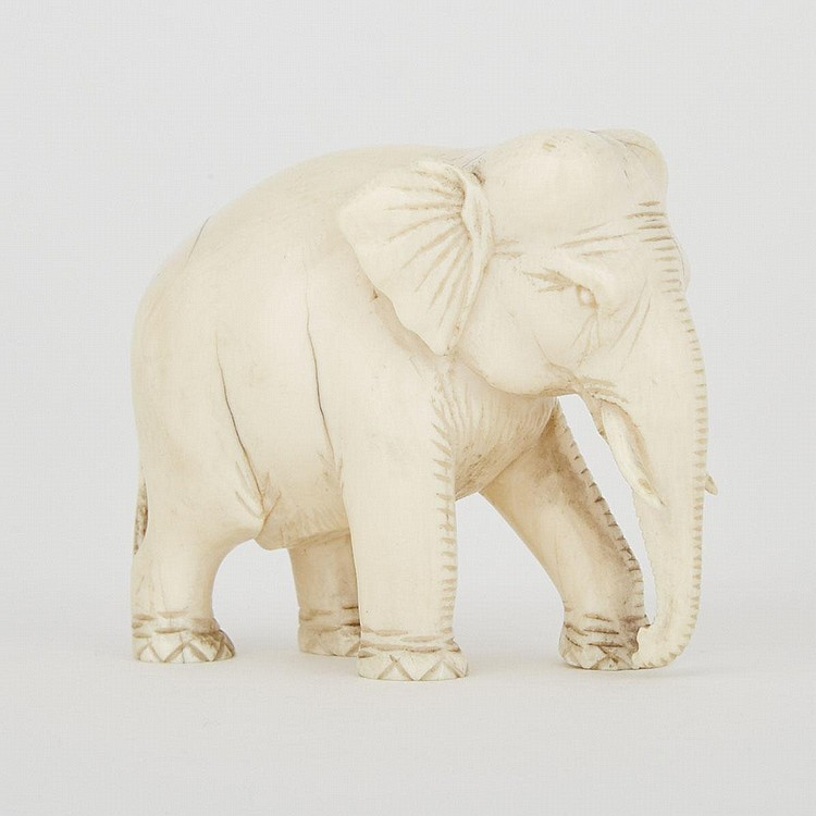 An Ivory Carved Elephant, Early 20th Century, 2.5