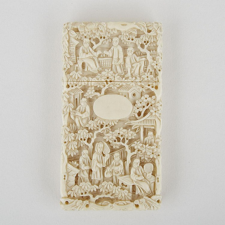 A Small Carved Ivory Card Case with Landscape, Early 20th Century, 3.3