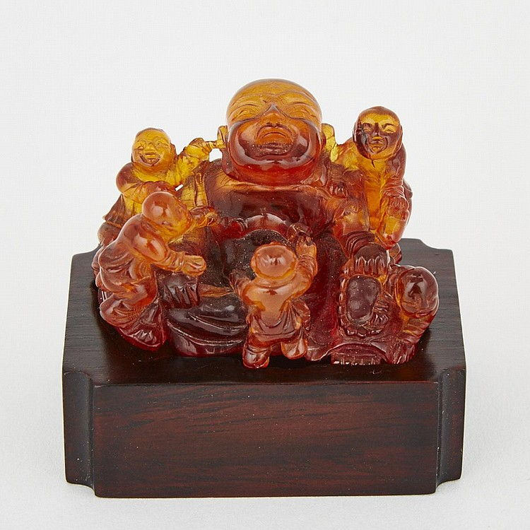 An Amber Carving of Budai with Boys, 18th/19th Century, 1.2