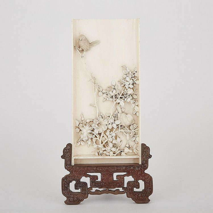 A Finely Carved Ivory Table Screen, 19th Century, 10