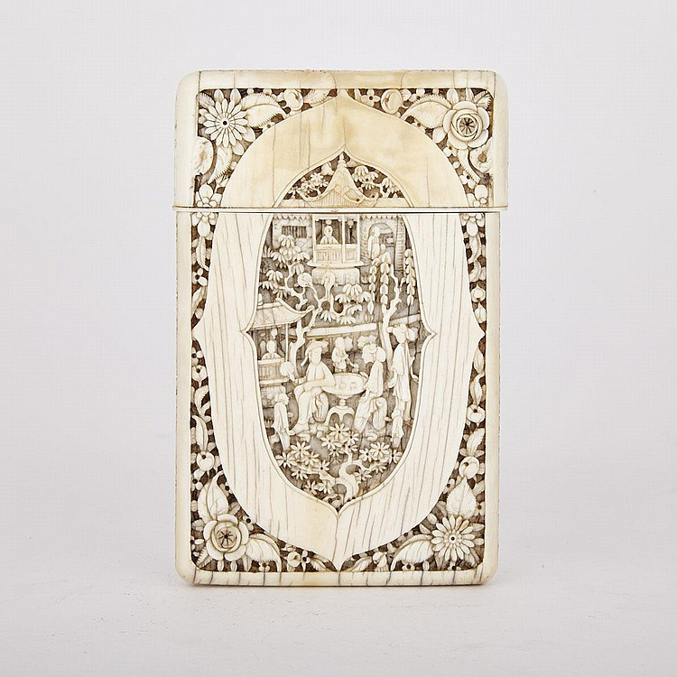 A Finely Carved Ivory Card Case, 19th Century, 4.5