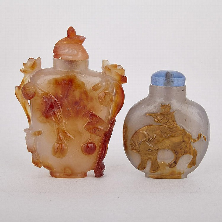 Two Agate Snuff Bottles, Early 20th Century, tallest height 2.9