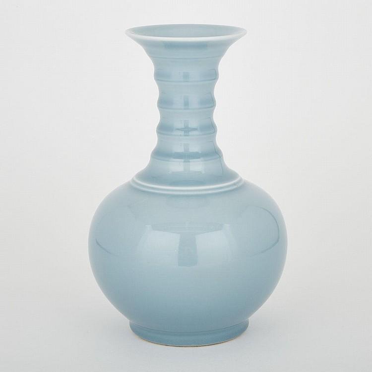A Celadon Glaze 'Strings' Vase, Qianlong Mark, 11.8