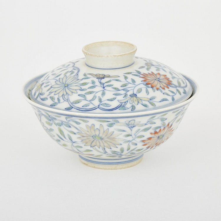 A Doucai Lidded Porcelain Bowl, Jiaqing Mark, 19th Century, diameter 4.7