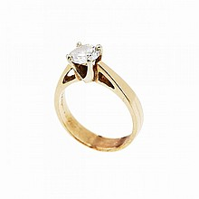 14k Yellow Gold Ring, set with a brilliant cut diamond (approx. 1.03ct.)