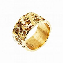 Walter Schluep Canadian 18k Yellow Gold Sculpted Band