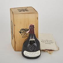 BOWMORE 1964 BICENTENARY SCOTCH WHISKEY VATTED (1 750 ML)Beam Suntory. Islay. 43% ABV / 750 mlBottled: 1979Finish: Cherry CasksNotes: Bicentennial Anniversary, Rare Bottling1 bt. (OWC)per lot $3,000 - $4,000