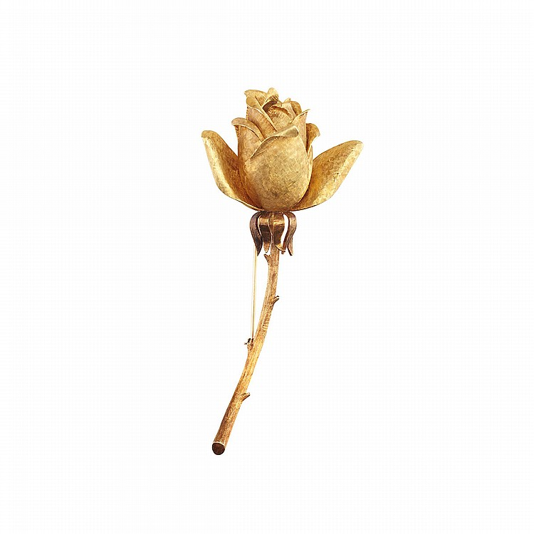 18k Yellow Gold Brooch realistically formed as a rose, 31.2 grams