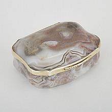 Silver-Gilt Mounted Banded Agate Snuff Box, early 19th century, length 3.4