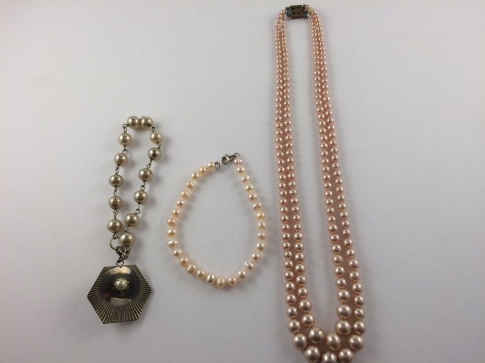 Municipal Lot 3 PC Mixed Jewelry