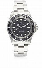 A GENTLEMAN'S STAINLESS STEEL ROLEX OYSTER PERPETUAL SUBMARINER BRACELET WATCH