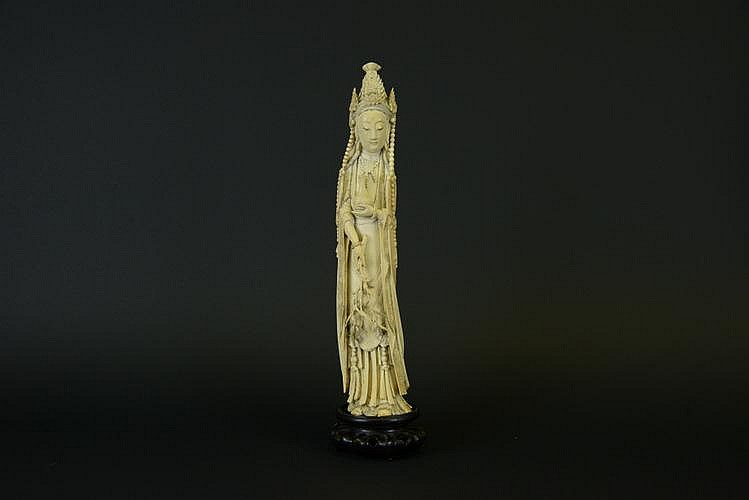 Late Qing Period Chinese Ivory Statue of Guanyin