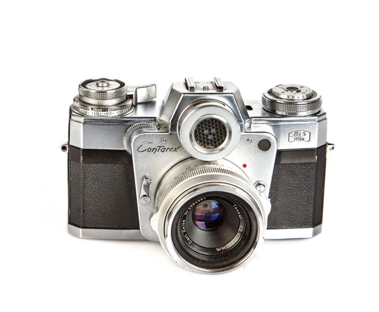 ZEISS IKON (Germany): A 35mm SLR Camera