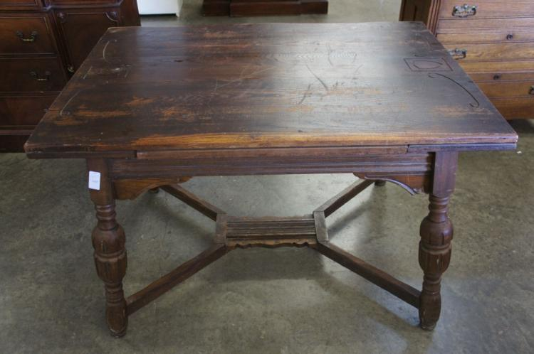 Table With Pull Out Leaves
