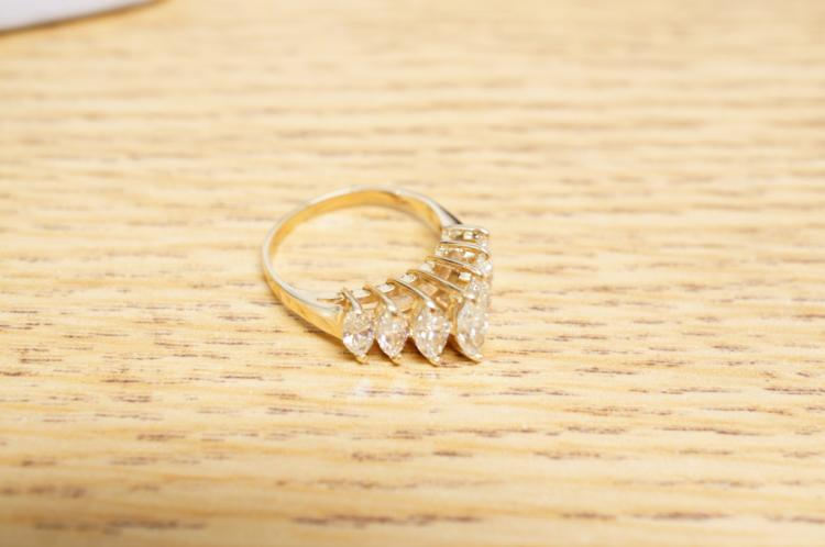 2ct Diamond Ring 14kt Size 7