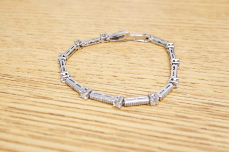 3 1/2 Ct Diamond Bracelet 14kt