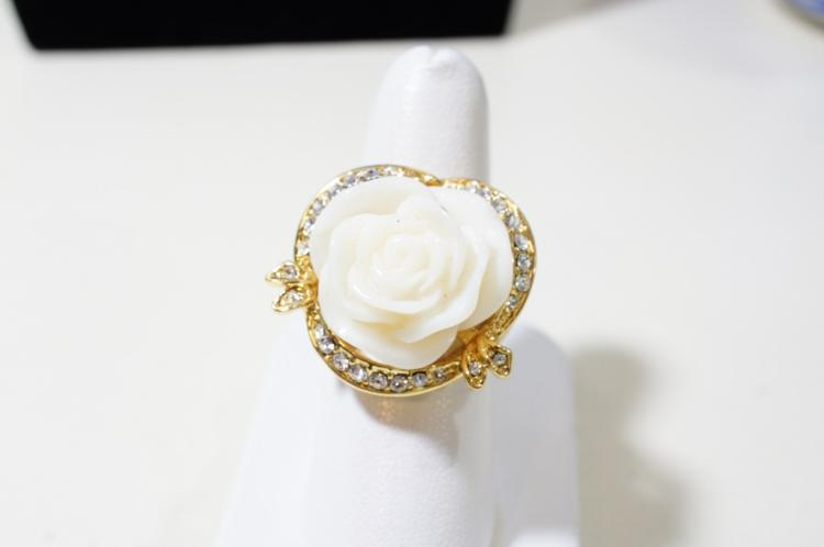 Cosmetic ring