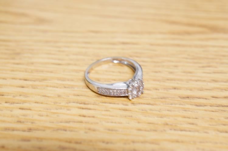 14k Diamond Ring Size 7