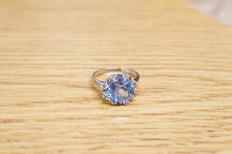 10k Blue Topaz Ring Size 6 1/2