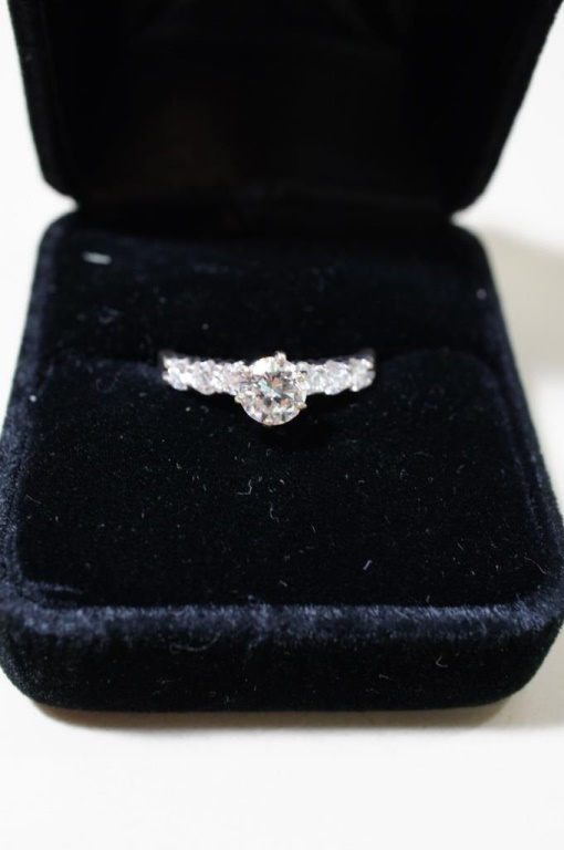 14k White Gold Diamond Ring Size 7