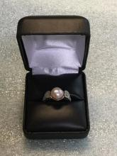 Sterling ring with pearl size 6