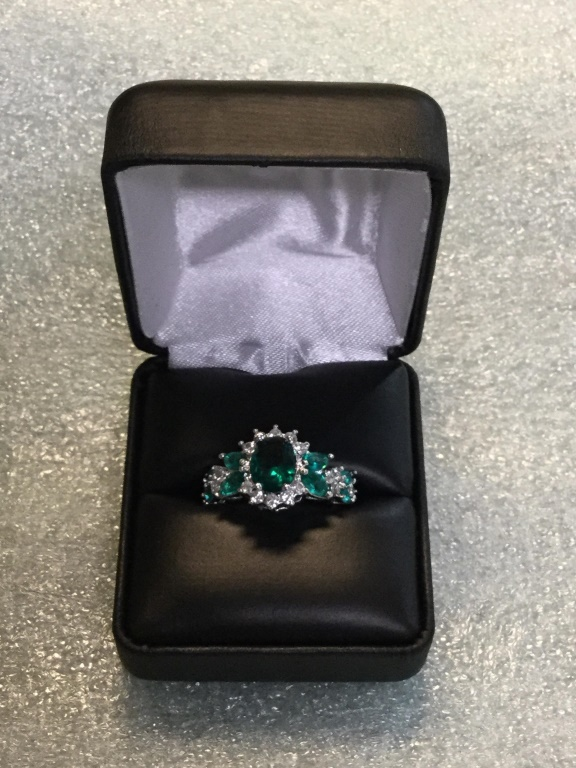 Sterling emerald ring size 6