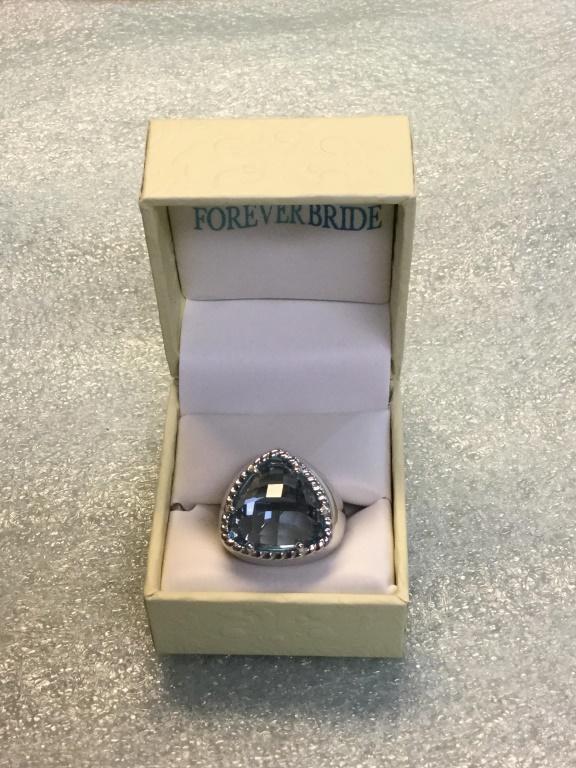 Sterling blue topaz ring size 6