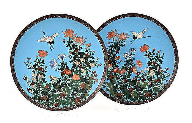 A PAIR OF JAPANESE CLOISONNE PLATES, MEIJI, 1868-1