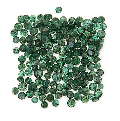 A MISCELLANEOUS COLLECTION OF CIRCULAR–CUT EMERALDS various sizes, weighing