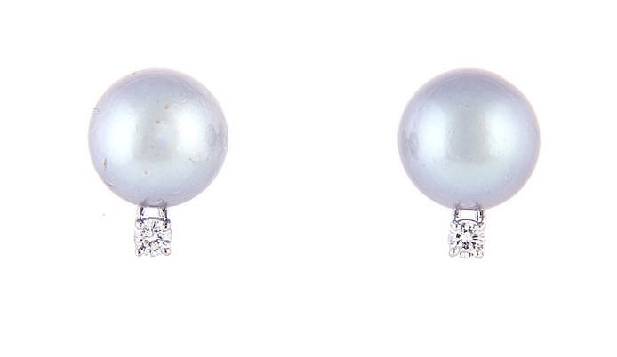 A PAIR OF PEARL AND DIAMOND EAR STUDS each set with a grey pearl measuring