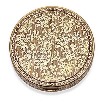 A GERMAN 14CT GOLD BOX the circular body with a hi