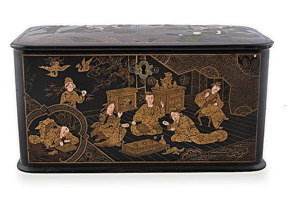 A CHINESE EXPORT PAINTED, BLACK AND GILT-LACQUERED